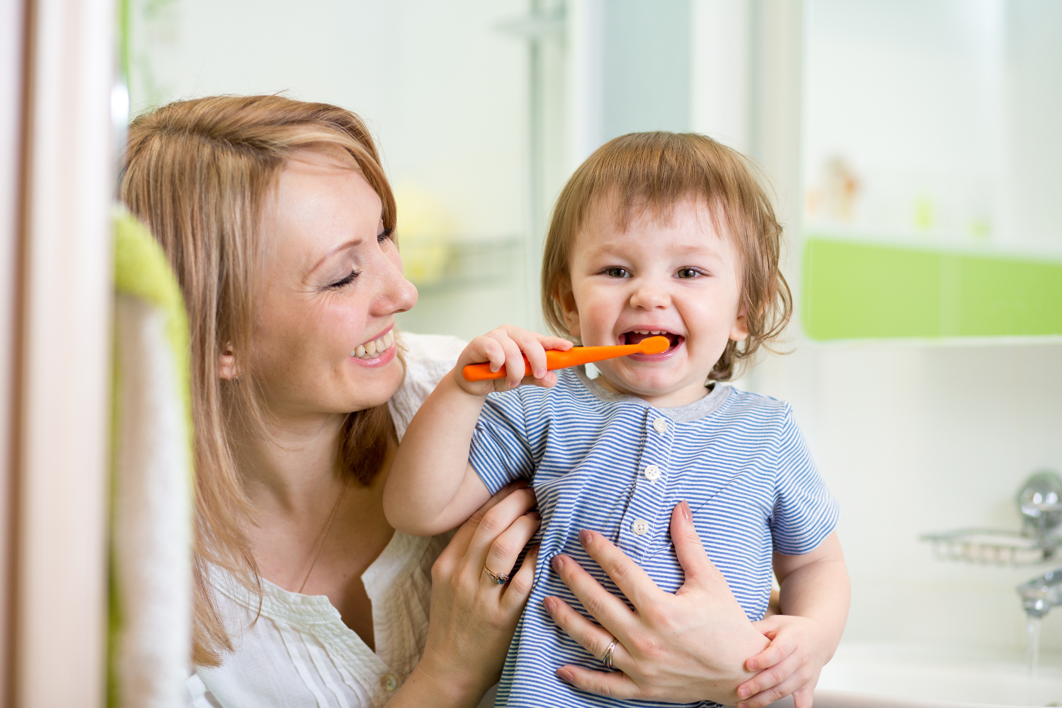 bebê ao dentista